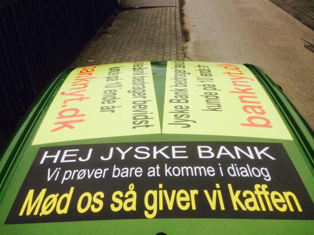 Vedtægter § 1 Stk. 1: Bankens navn er Jyske Bank A/S. Stk. 4: Bankens formål er som bank og som moderselskab at drive bankvirksomhed efter lovgivningen Stk. 5: Banken drives i overensstemmelse med redelig forretningsskik, god bankpraksis og bankens værdier og holdninger :-) :-) Lidt søge ord. #Justitsministeriet #Finansministeriet #Statsministeriet JYSKE BANK BLEV OPDAGET / TAGET I AT LAVE #MANDATSVIG #BEDRAGERI #DOKUMENTFALSK #UDNYTTELSE #SVIG #FALSK / #Bank #AnderChristianDam #Financial #News #Press #Share #Pol #Recommendation #Sale #Firesale #AndersDam #JyskeBank #ATP #PFA #MortenUlrikGade #PhilipBaruch #LES #Boxen Jyske Bank Boxen #KristianAmbjørnBuus-Nielsen #LundElmerSandager #Nykredit #MetteEgholmNielsen #Loan #Fraud #CasperDamOlsen #NicolaiHansen #JeanettKofoed-Hansen #AnetteKirkeby #SørenWoergaaed #BirgitBushThuesen #Gangcrimes #Crimes #Koncernledelse #jyskebank #Koncernbestyrelsen #SvenBuhrkall #KurtBligaardPedersen #RinaAsmussen #PhilipBaruch #JensABorup #KeldNorup #ChristinaLykkeMunk #HaggaiKunisch #MarianneLillevang #Koncerndirektionen #AndersDam #LeifFLarsen #NielsErikJakobsen #PerSkovhus #PeterSchleidt